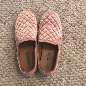 Pink velvet checkerboard slip on's